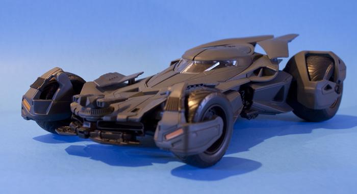 jada-bvs-batmobile