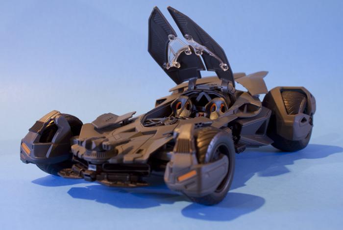 jada-bvs-batmobile2