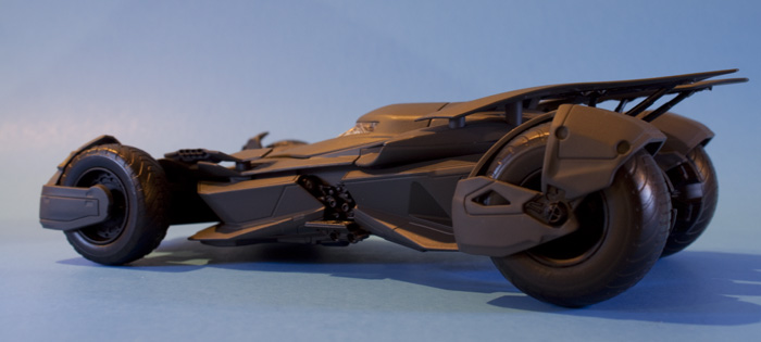 jada-bvs-batmobile4