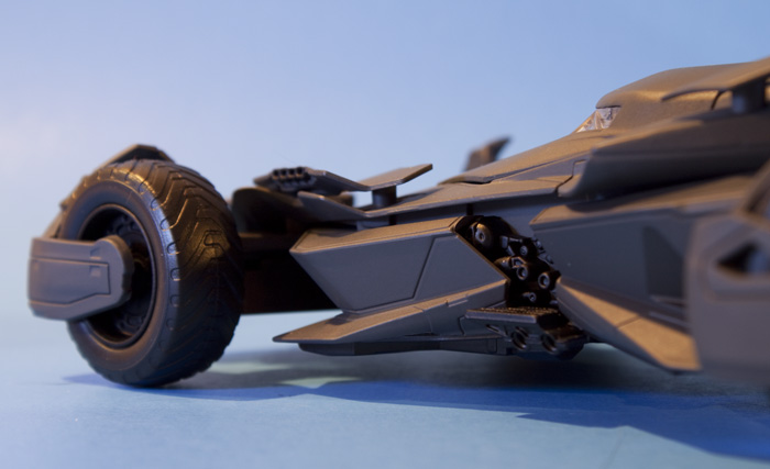 jada-bvs-batmobile5