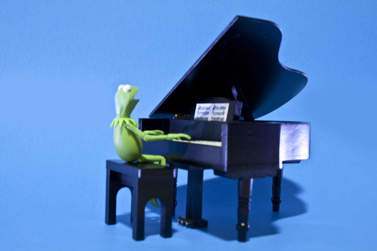 kermit-piano-paper
