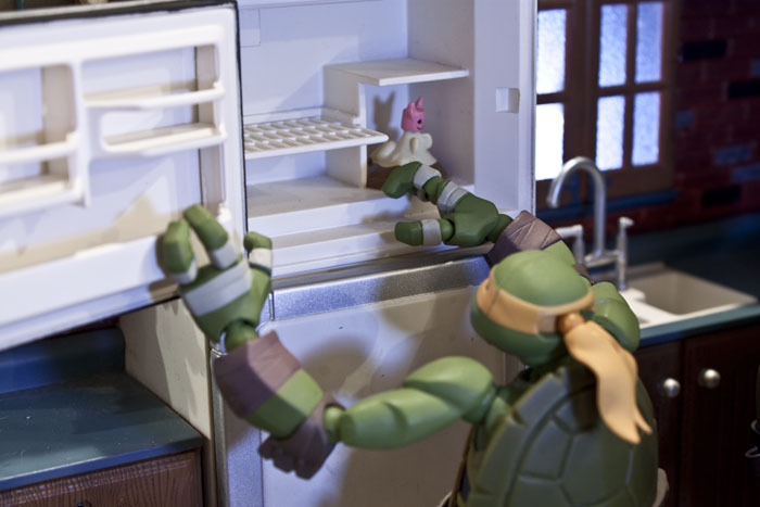 tmnt-kitchen-dinner2